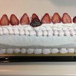 コストコのクリスマスケーキ長さ33cmのビッグロール値段2480円でお得